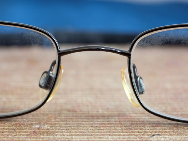 Trois façons simples de porter des lunettes de vue peuvent vous aider à survivre dans la nature
