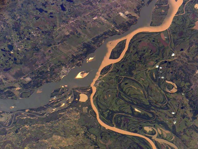 The Rivers of Paraguay Want Nothing to do with Each Other