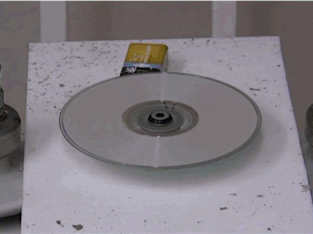 Borrar un DVD es fácil si tienes 240.000 voltios de electricidad