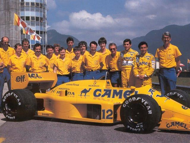 Sennan ja Piquetin kääntyvä ovi Camel-tiimissä Lotus Hondassa