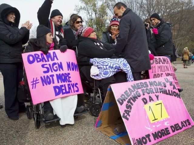 Kuuluisa Awful viides piiri sääntöjä Obaman maahanmuuttosuunnitelmaa vastaan, päällystystapa korkeimman oikeuden taisteluun