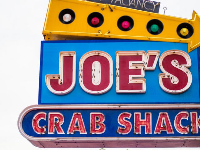 Joe's Crab Shack is Trying a No-Tipping Model