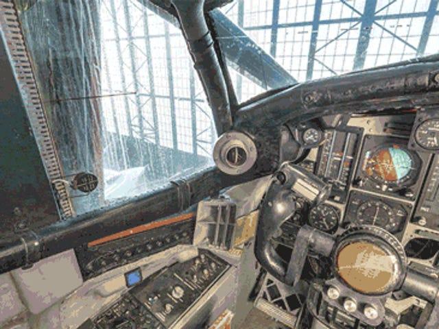 Ο υπερηχητικός βομβιστής βλέπει το φως της ημέρας για πρώτη φορά τις δεκαετίες