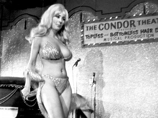 Carol Doda, Famed Stripper and Lounge Performer, Dies at 78