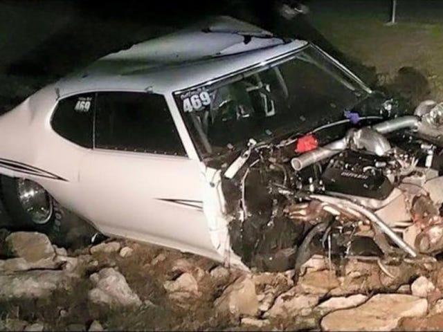 Stor ulykke på sett med Street Outlaws, begge sjåførene på sykehus