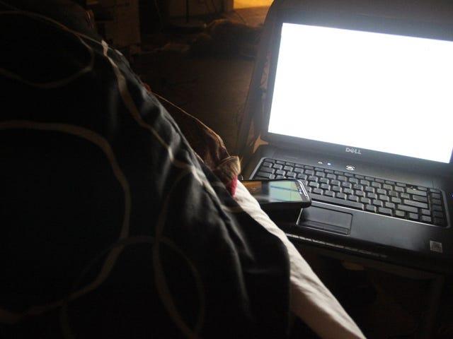 """Sömnforskare säger att alla våra enheter borde komma med ett """"Bedtime Mode"""" bakat in"""
