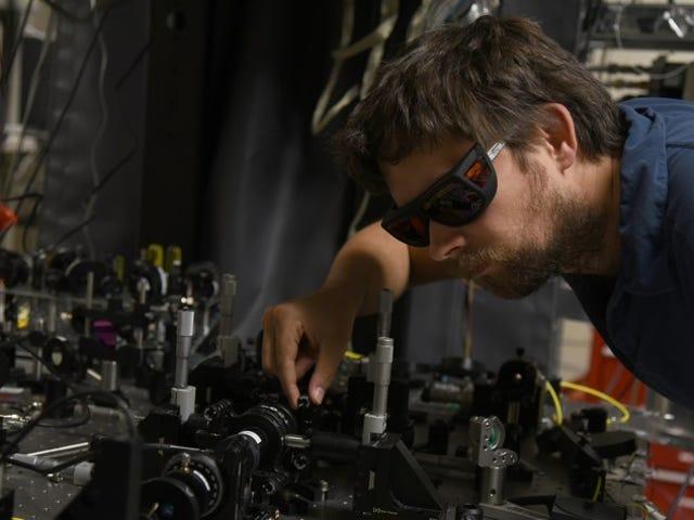 物理学者は、遠く離れたところにおかしいアクションが実在することを証明する