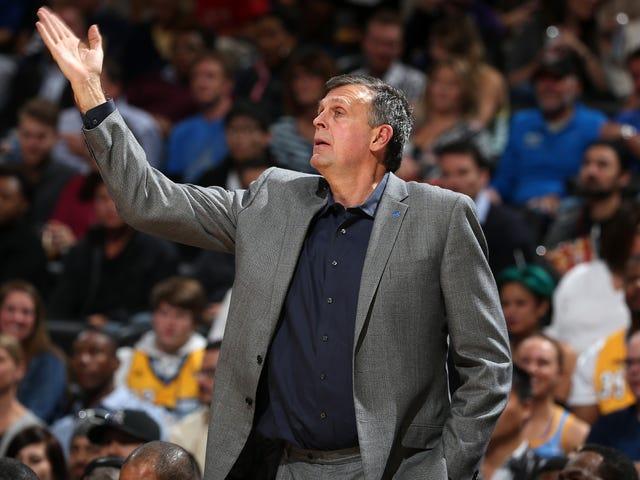 Informe: Los Houston Rockets han despedido al entrenador en jefe Kevin McHale