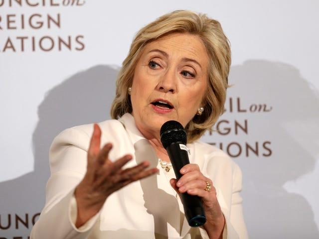 Η Χίλαρι Κλίντον και ο Ανώνυμος έχουν το ίδιο Σοβαρό Σχέδιο για την Καταπολέμηση του ISIS στα Κοινωνικά Μέσα