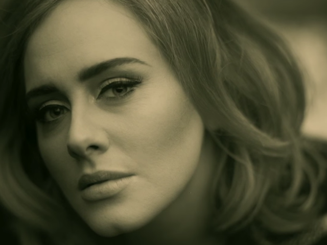 Adele's <i>25 </i>Will Not Be On Spotify or Other Streaming Services