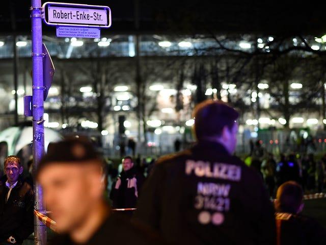 Rapport: Les terroristes veulent frapper le match Allemagne-Pays-Bas avec une attaque à 5 bombes