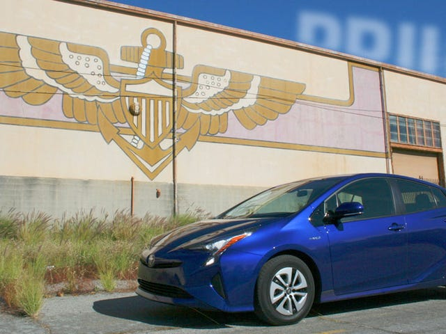 The 2016 Toyota Prius Is An Enthusiast's Car