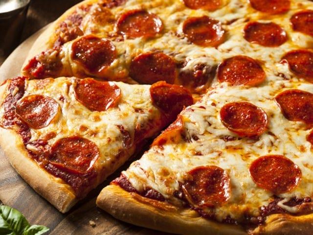 Belangrijke studie vindt dat mannen meer pizza eten wanneer ze vrouwen proberen te imponeren