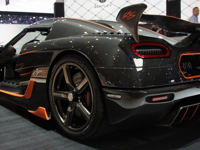 Koenigsegg Agera RS Is A Carbon Fiber Salute To Track Day Psychopaths