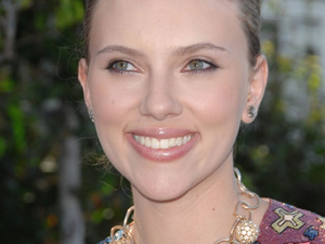 Scarlett Johansson Calls Out The Sexist Media