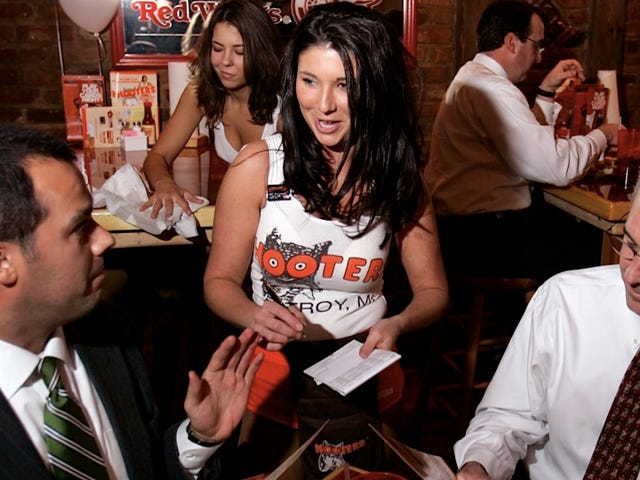 'Breastaurants' Angle For a New Generation of Leering Wing-Eaters