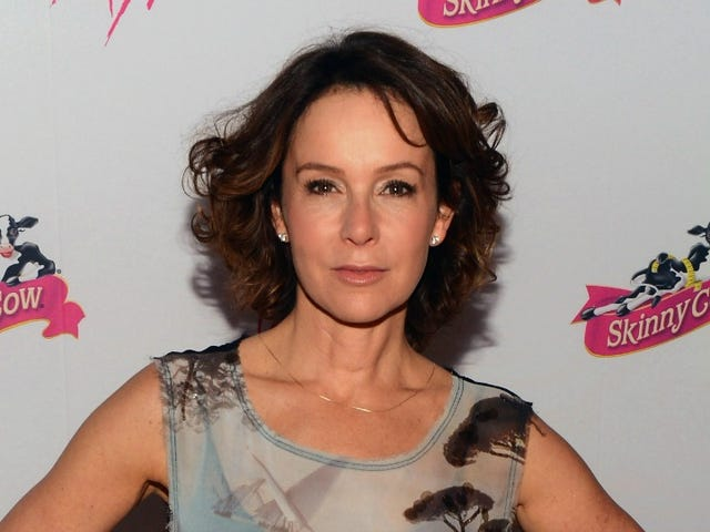 Jennifer Grey Was Still Reeling From Infamous Matthew Broderick Car Crash On the 1987 Red Carpet for Dirty Dancing