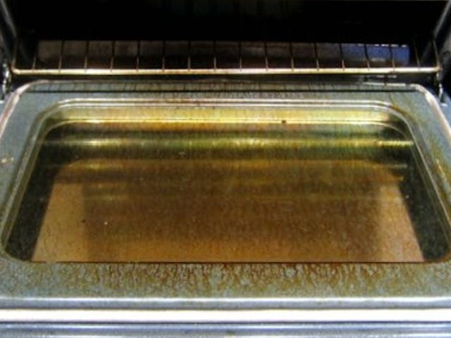 Stop Using Your Oven's Self-Cleaning Feature: It Does More Harm than Good