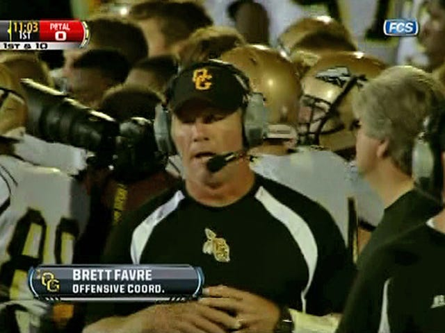 Brett Favre's Undefeated Coaching Record Is Over Thanks To This Hail Mary That Elicited Redneck Euphoria