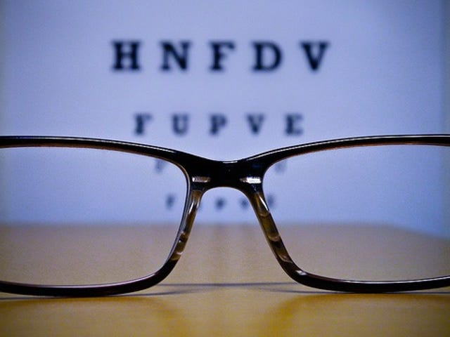 The Correct Way to Clean Eyeglasses