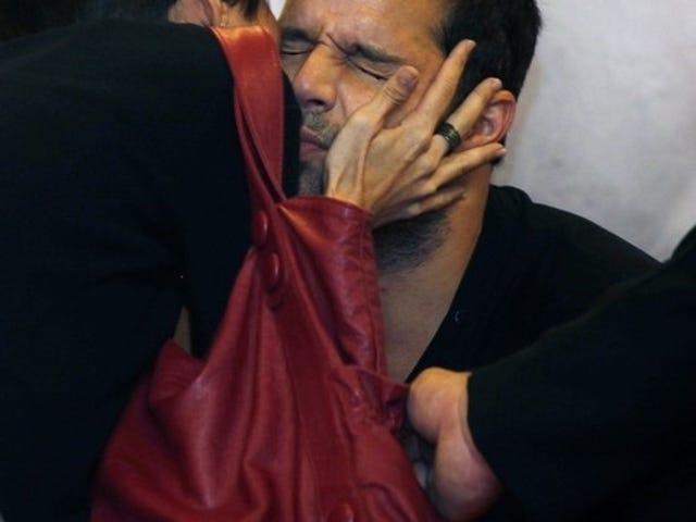 Ricky Martin Doesn't Seem Into It
