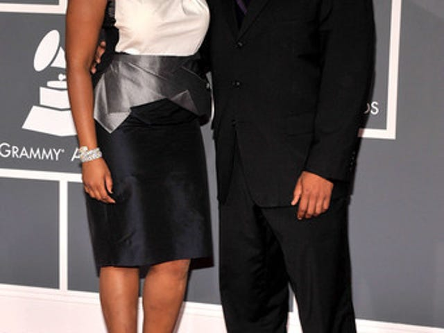 Jennifer Welcomes Baby Boy; G.I. Joe Star Has Stripper Past