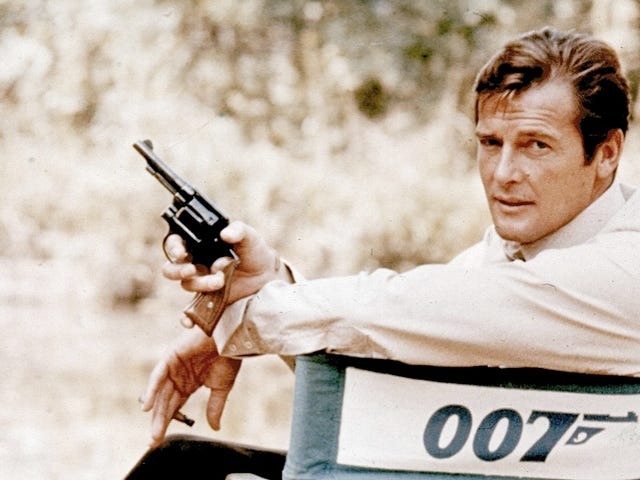 Yet Another Sad Dude Pines for the Days When James Bond Had a 'Thinking Man's' Body