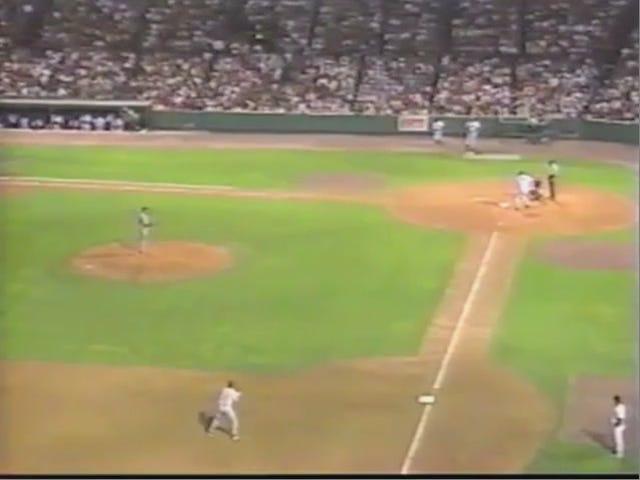 Noong 1995, Isang ESPN Cameraman Nakuha Fenway Fans Ang pagkakaroon ng isang Over-The-Jorts Tatlong-Way (I-UPDATE)