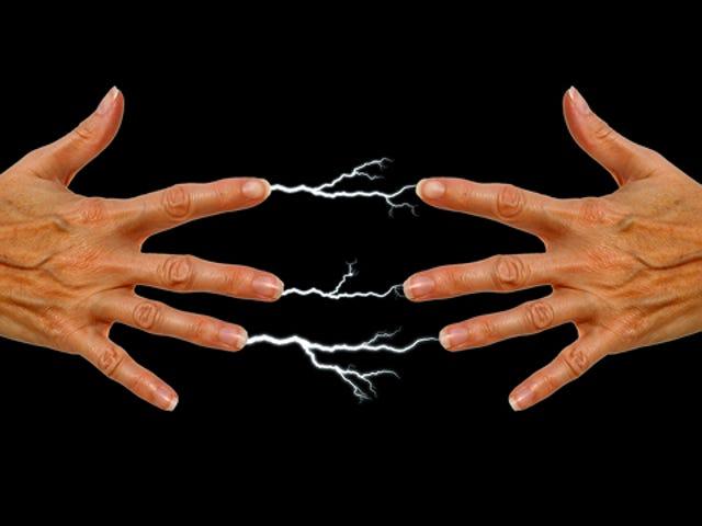 Paano Ko maiiwasan ang Mga Static na Elektrisidad na Elektriko sa Cold, dry Weather?