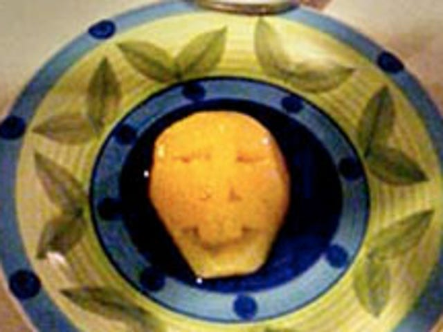 Woman Sees Evil Face On Canned Pear