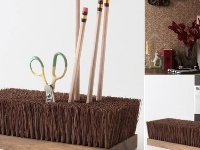 The Besom Holder: Sweeping Desktop Simplicity