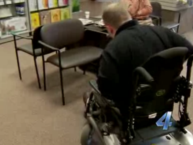 Airline Takes Apart Dude's $20,000 Wheelchair and Gives Him Back Pieces