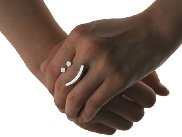Emoticon Rings Put Your Feelings on Your Fingers