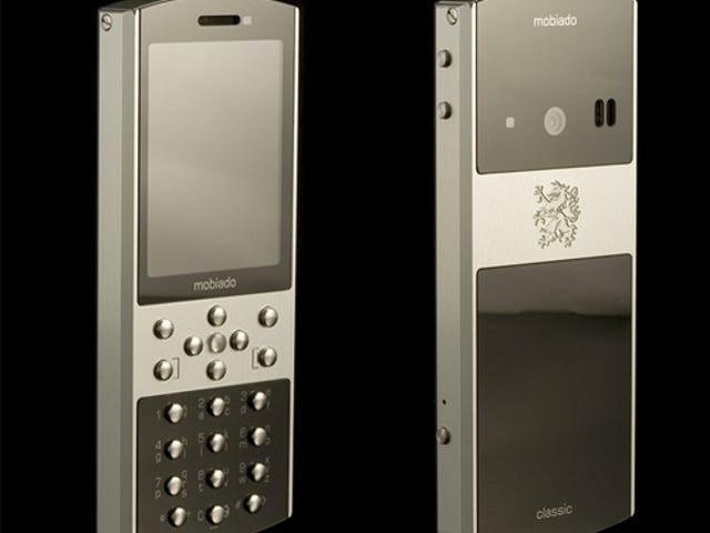 Mobiado Sticks With Rivet-Like Buttons For Classic 712ZAF Phone