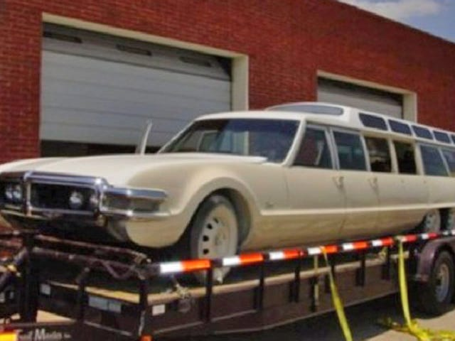 The 9-door, 6-wheel Toronado limo finds a baller