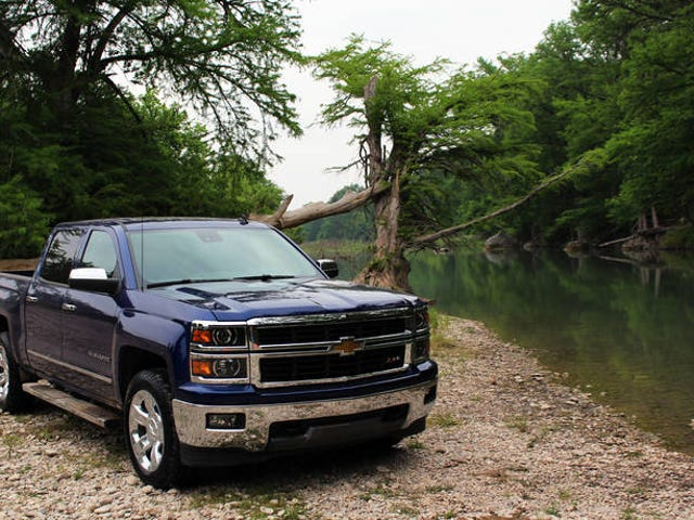 GM Inside News Drives the  NEW 2014 Silverado 1500 with NEW 5.3L V8