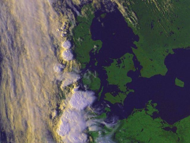 Millenium Falcon entering Danish atmosphere