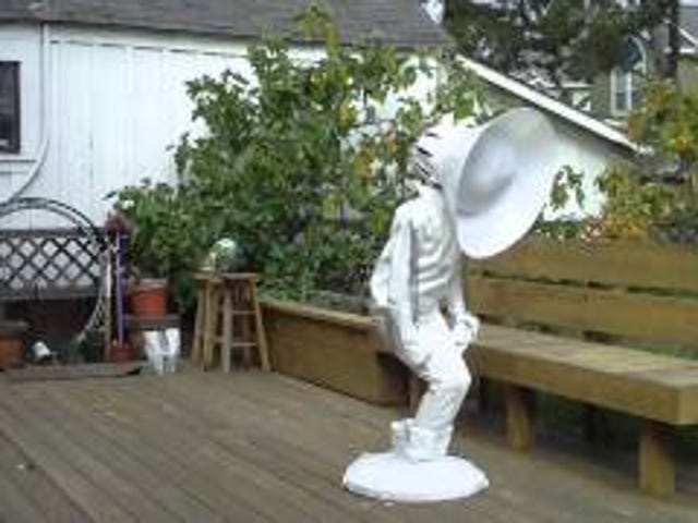 If You Love Pixar, Please Dress Up Like This Human Luxo Jr. Lamp for Halloween
