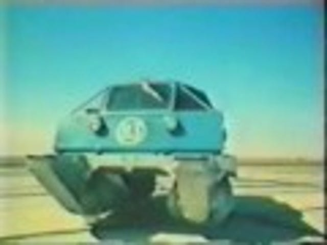 Weird Russian Screw Drive Vehicle is What We Really Wanted for Christmas
