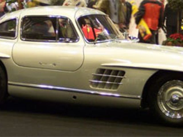 Bonus QOTD: Why Are There Holes In The 300 SL's Sill?