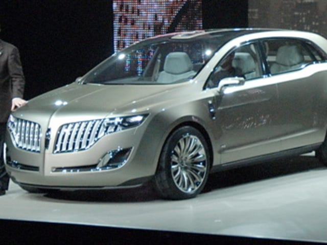 Detroit Auto Show: 2008 Lincoln MKT Live Reveal