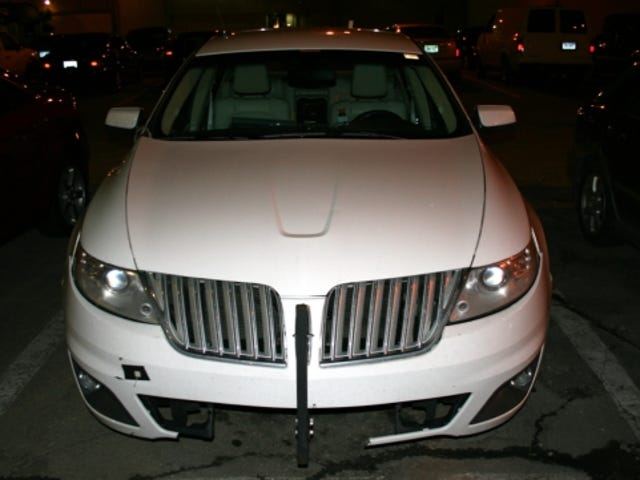 2009 Lincoln MKS Already Busted Up