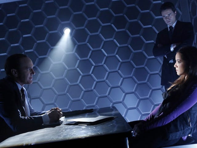 A bigger, better look at Agents of SHIELD with tons of new footage