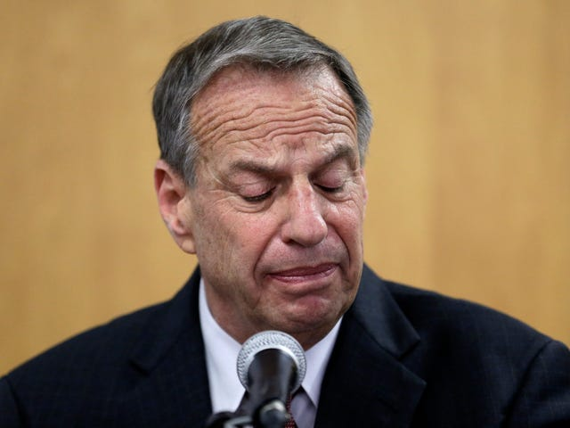 Creepy Mayor Bob Filner Is Forced to Get the Fuck Out of Office