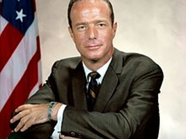 Astronaut Scott Carpenter dead at 88