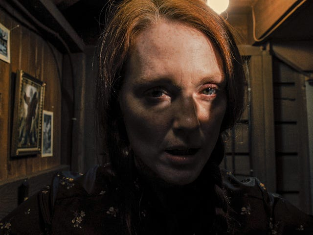 The Freakiest Thing Julianne Moore Does in the Carrie Remake