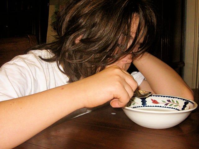 Kekurangan Tidur Mengurangkan Kawalan Impuls yang Perlu Menolak Makanan Junk