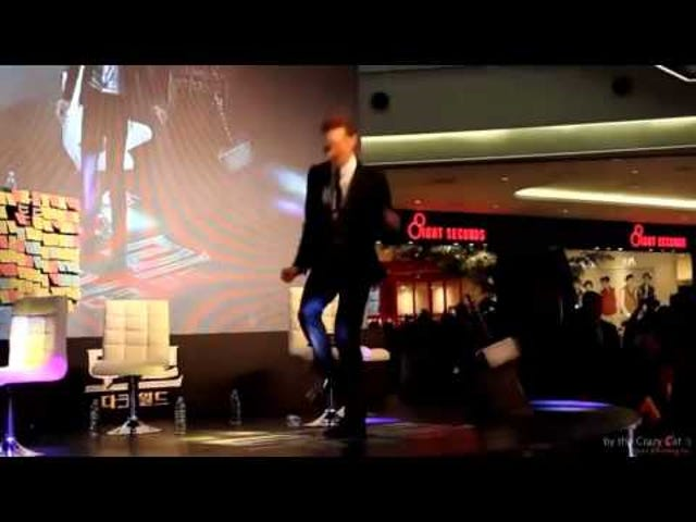 Best Dance-off Ever Pits Tom Hiddleston Against Benedict Cumberbatch