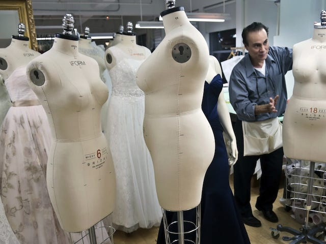 The Hottest Thing in Mannequin Design Is Back Fat