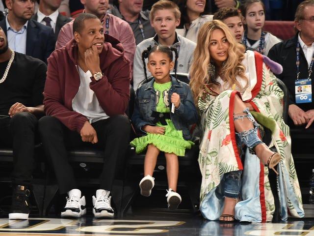 Фото Дітей Beyoncé's Made It до соціальних медіа і хтось звільнився